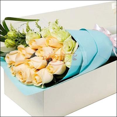 给文艺女青年送什么花?